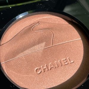 Chanel  Eclat Du Desert  Illuminating Powder NEW